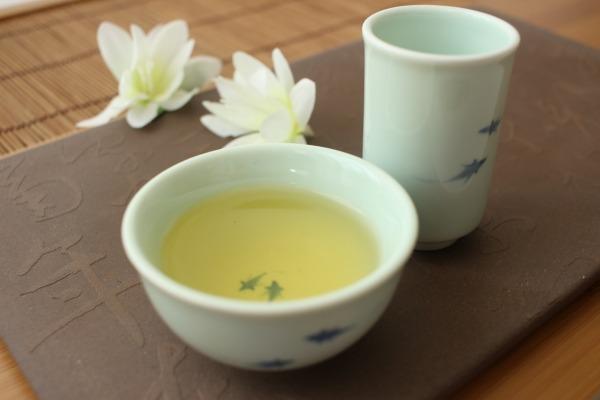 温かい金萱茶