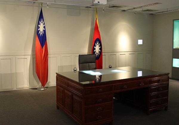 台湾大統領のデスクの再現